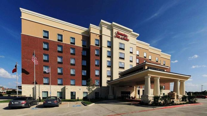 Exterior view Hampton Inn - Suites Dallas-Lewisville-Vista Ridge Mall TX