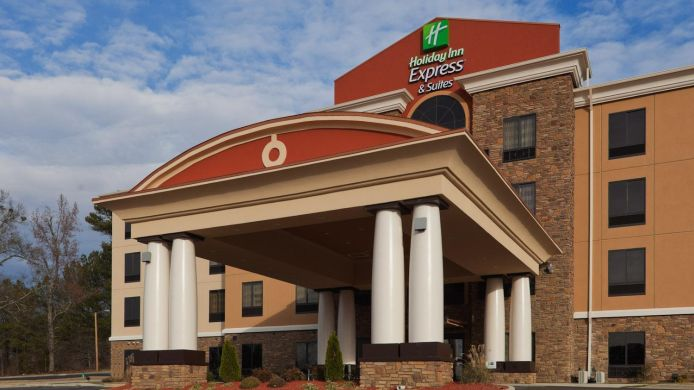 Exterior view Holiday Inn Express & Suites FULTON