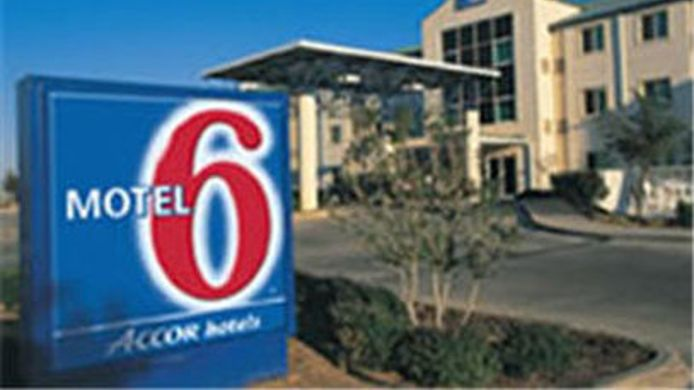 Exterior view MOTEL 6 CHARLOTTE CAROWINDS SC
