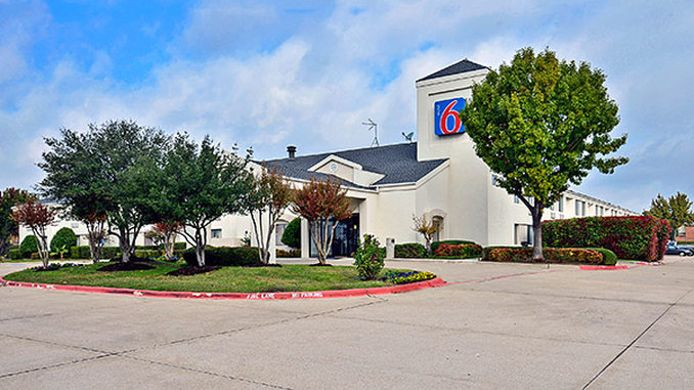 Buitenaanzicht MOTEL 6 PLANO - PRESTON POINT