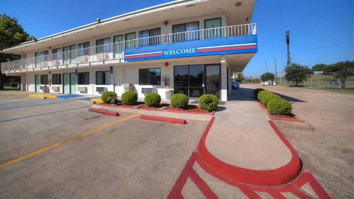 Exterior view MOTEL 6 SHREVEPORT BOSSIER CTY