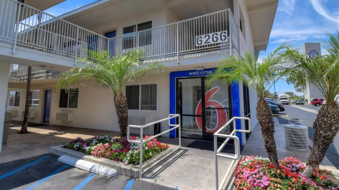 Exterior view MOTEL 6 WESTMINSTER S LONG BEACH