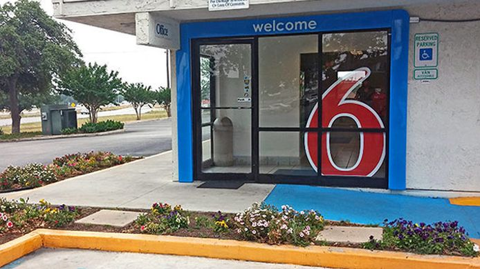 Exterior view MOTEL 6 SAN MARCOS TX