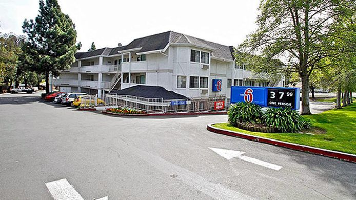 Exterior view MOTEL 6 VALLEJO-SIX FLAGS EAST