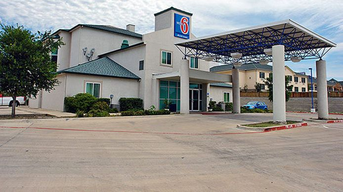 Exterior view MOTEL 6 WEATHERFORD TX