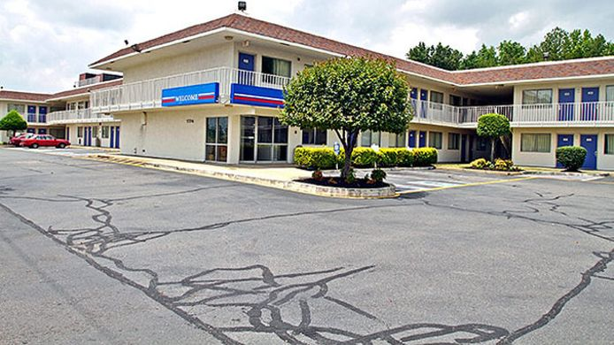 Exterior view MOTEL 6 RICHMOND AIRPORT