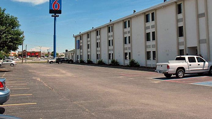 Exterior view MOTEL 6 OMAHA EAST COUNCIL BLUFFS