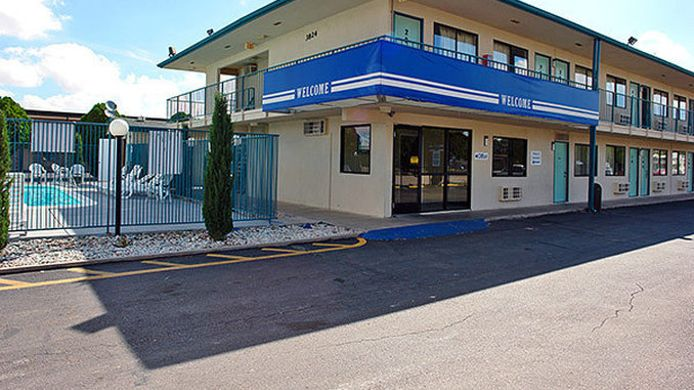 Exterior view MOTEL 6 CARLSBAD NM
