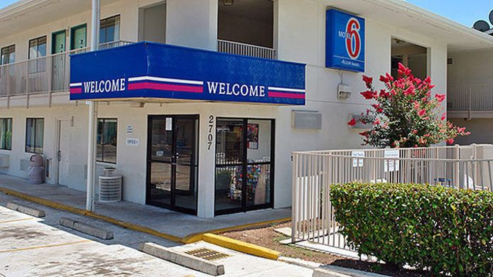 Buitenaanzicht MOTEL 6 AUSTIN SOUTH AIRPORT