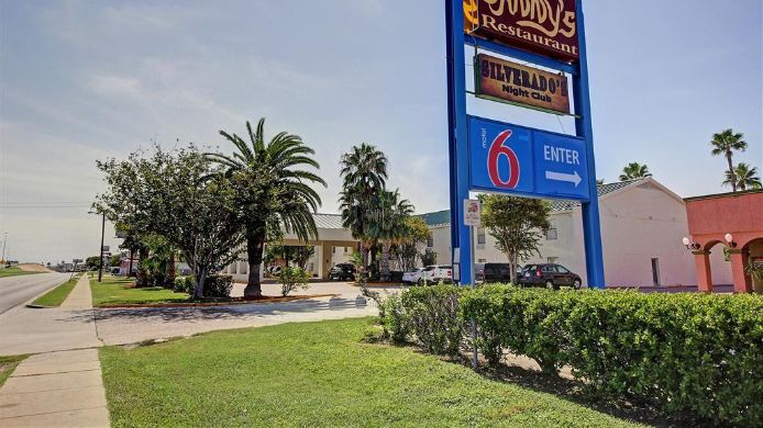 Buitenaanzicht MOTEL 6 LAREDO NORTH