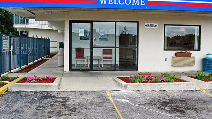 Exterior view MOTEL 6 ROCHESTER