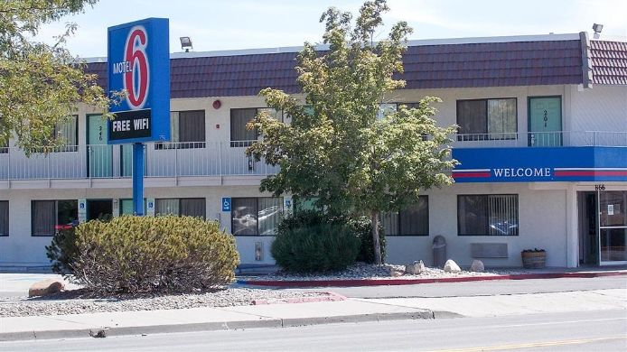 Buitenaanzicht MOTEL 6 RENO LIVESTOCK EVENTS CENTER