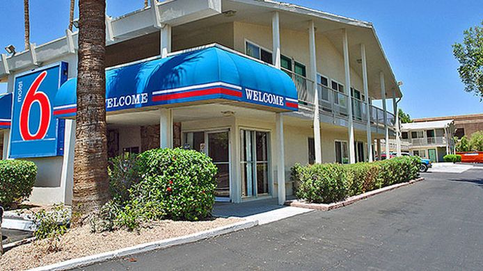 Exterior view MOTEL 6 SCOTTSDALE