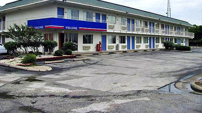 Exterior view MOTEL 6 FREEPORT - CLUTE