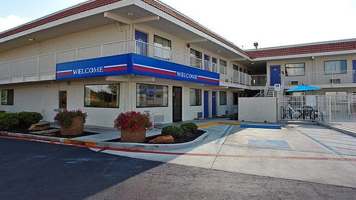 Exterior view MOTEL 6 FORT WORTH EAST
