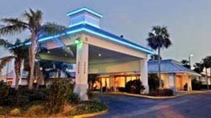 Exterior view MERIDIAN HOTEL AND SUITES-CLERMONT