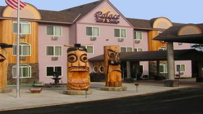 Exterior view PALACE INN AND SUITES LINCOLN CITY