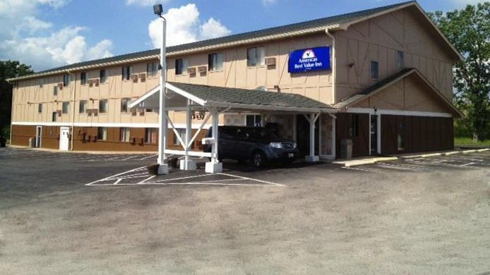 Exterior view AMERICAS BEST VALUE INN TROY