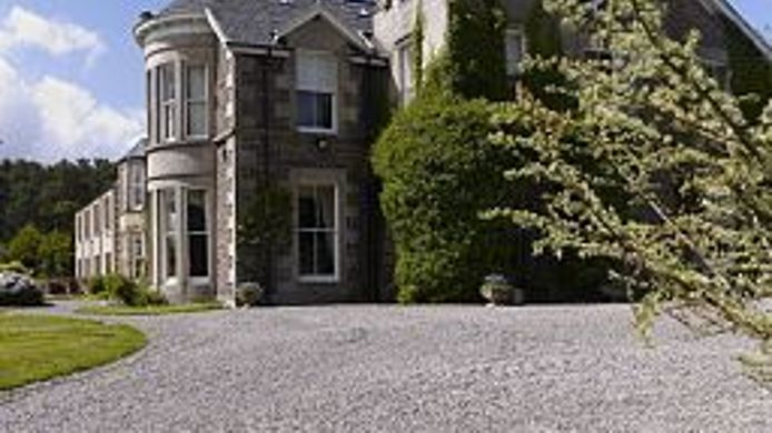 Exterior view Loch Ness Country House Hotel