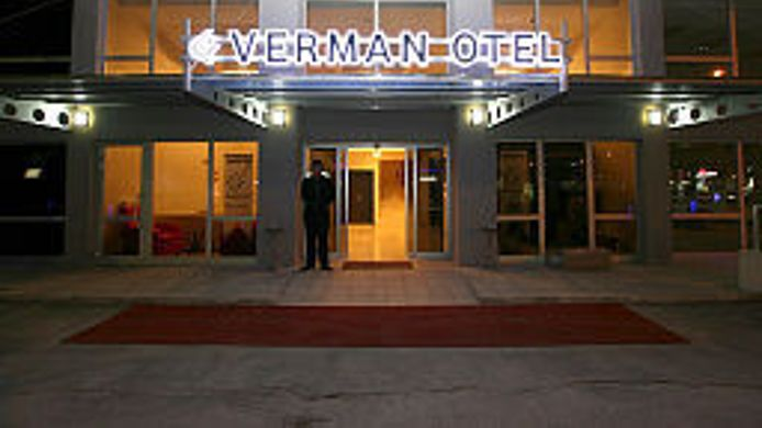 Exterior view Verman Otel