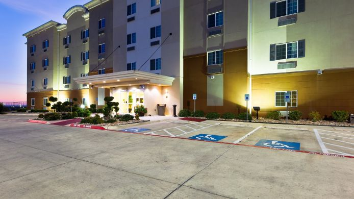 Exterior view Candlewood Suites DECATUR MEDICAL CENTER