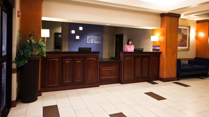 Buitenaanzicht Holiday Inn Express & Suites URBANDALE DES MOINES