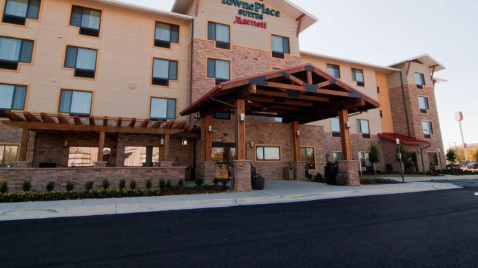 Exterior view TownePlace Suites Monroe