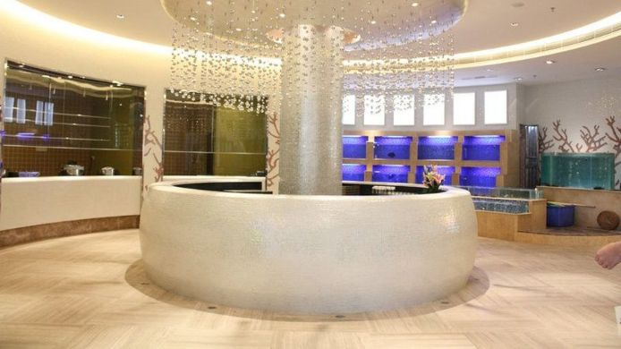 Lobby Xingwei Yifeng Business