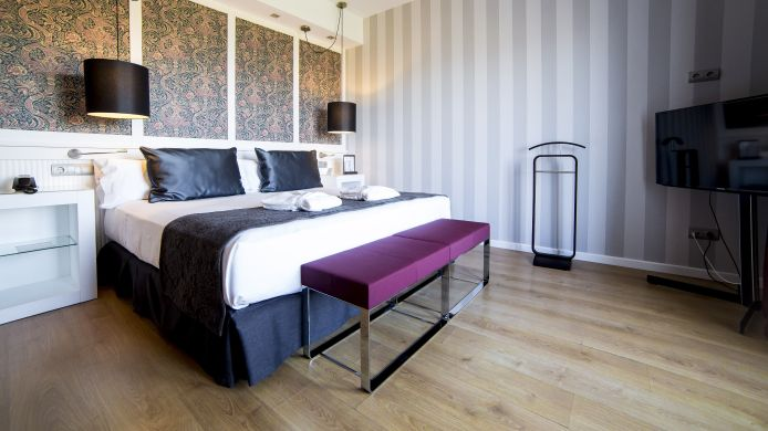 Double room (standard) Catalonia Reina Victoria Wellness & Spa