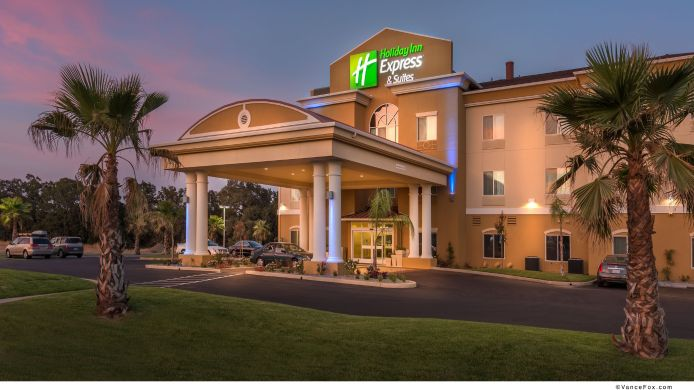 Exterior view Holiday Inn Express & Suites RED BLUFF-SOUTH REDDING AREA