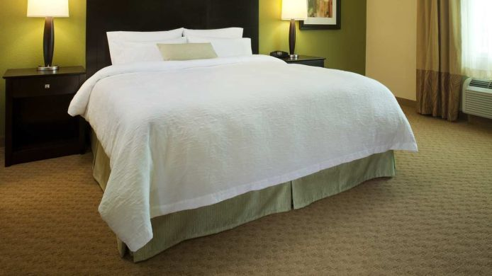 Room Hampton Inn - Suites Greensboro-Coliseum Area NC
