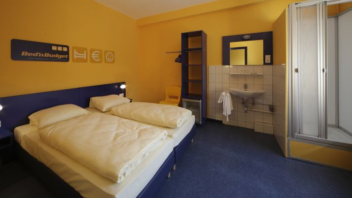 Double room (standard) Bed'nBudget Hostel