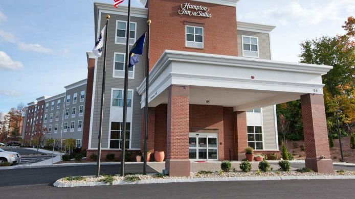 Exterior view Hampton Inn and Suites Exeter