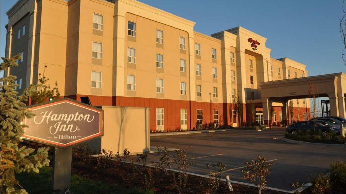 Buitenaanzicht Hampton Inn by Hilton Edmonton/South
