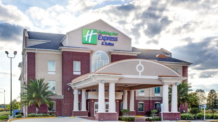 Exterior view Holiday Inn Express & Suites RACELAND - HIGHWAY 90