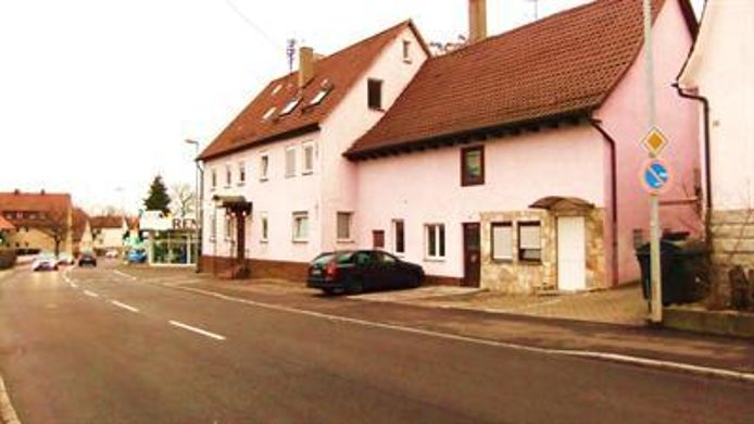 Exterior view Pension zum Heurigen