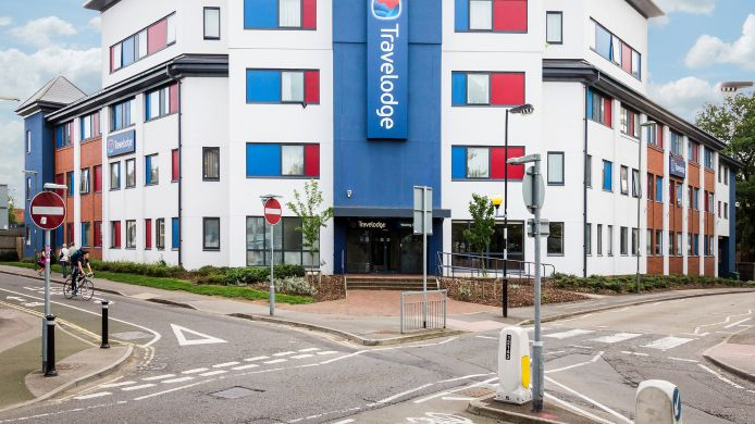 Buitenaanzicht TRAVELODGE WOKING CENTRAL