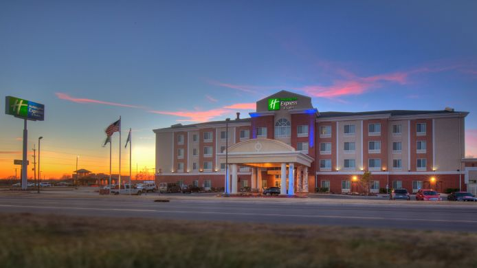 Exterior view Holiday Inn Express & Suites ELK CITY