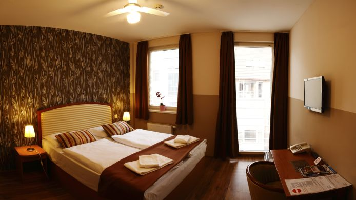 Double room (standard) Six Inn