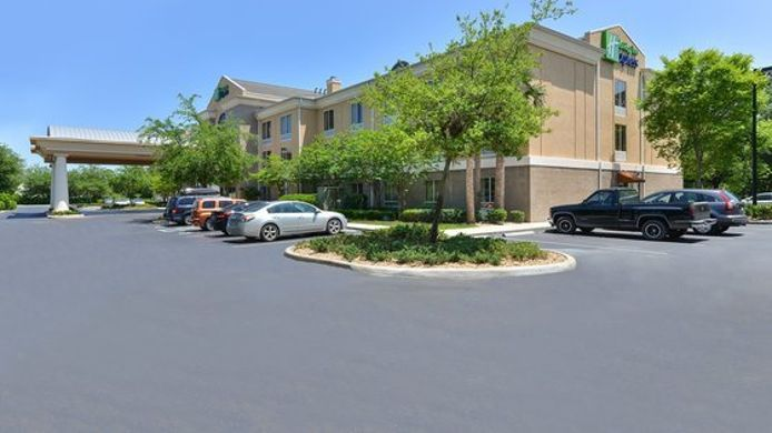 Exterior view Holiday Inn Express & Suites SCHULENBURG