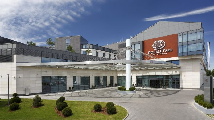 Buitenaanzicht DoubleTree by Hilton Hotel - Conference Centre Warsaw