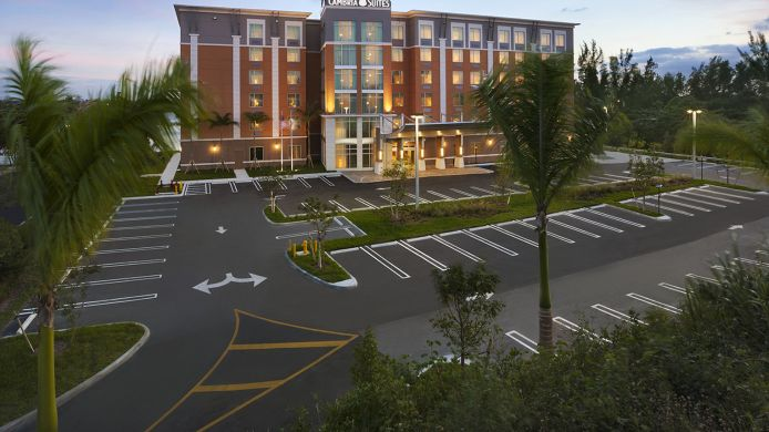 Exterior view Cambria hotel & suites Miami Airport - Blue Lagoon