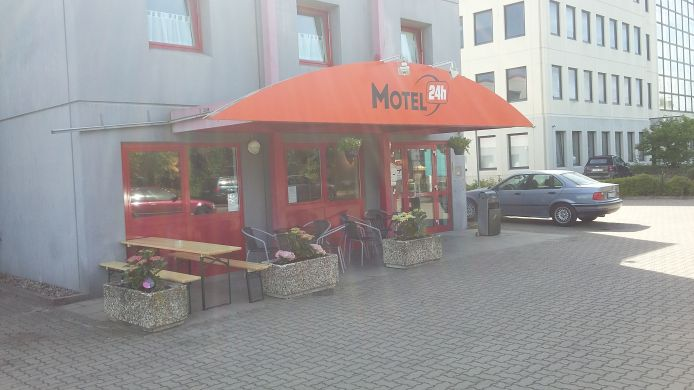 Exterior view Motel 24h