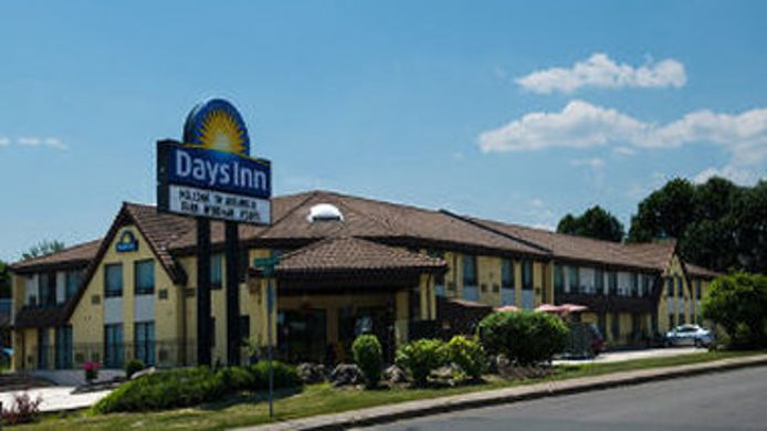 Exterior view DAYS INN MIRAMICHI NB