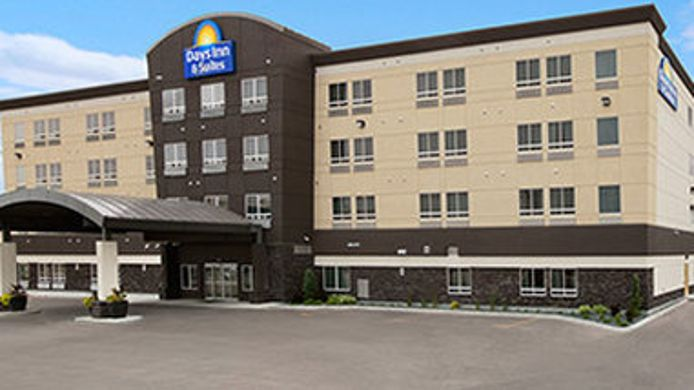 Exterior view DAYS INN AND SUITES WINNIPEG