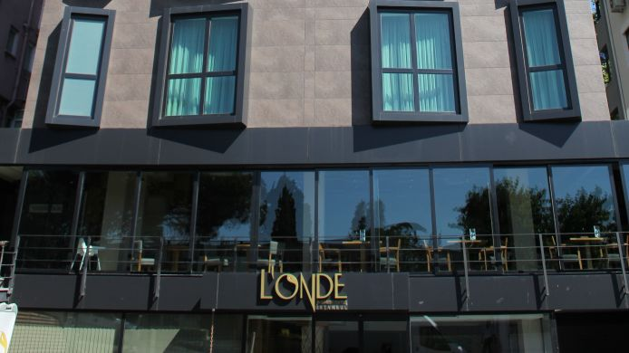 Buitenaanzicht Londe Business Suites