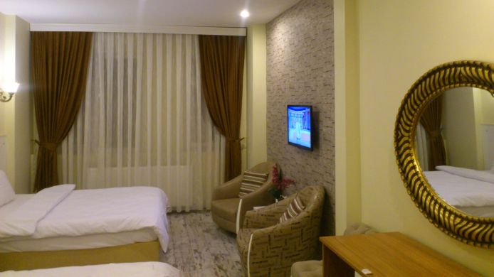 Double room (standard) Peramain Hotel