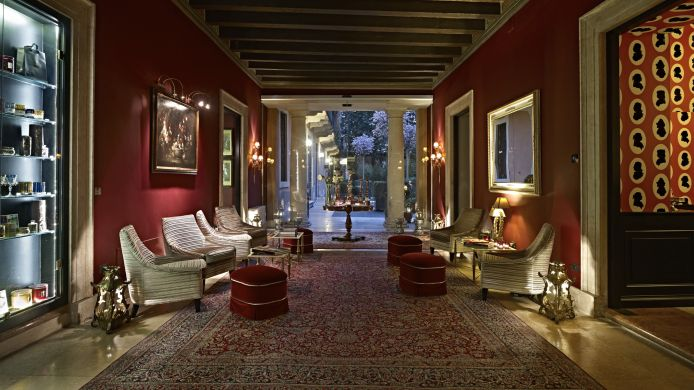 Lobby Grand Relais The Gentleman of Verona