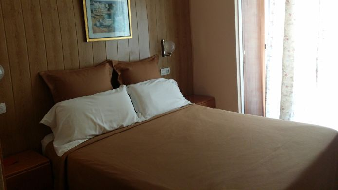 Double room (standard) Creus Hostal