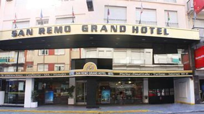 Exterior view Hotel San Remo Grand